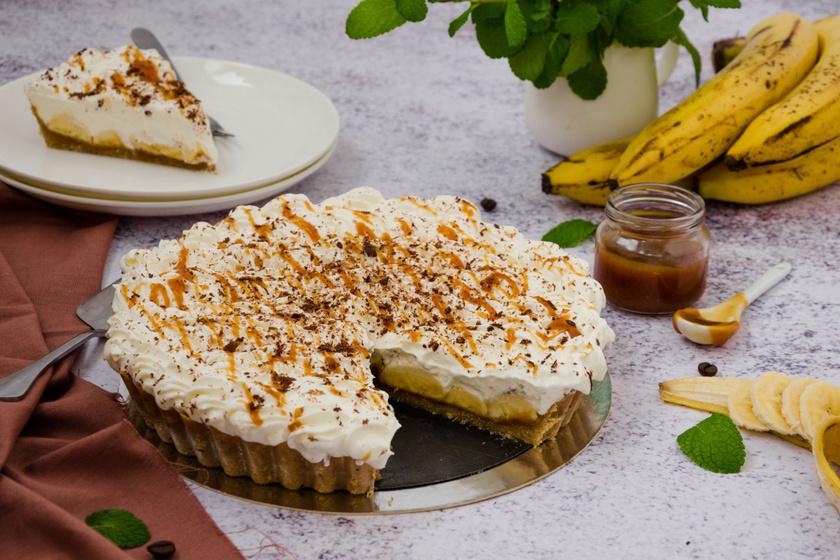 Ellenállhatatlan karamellás, banános pite: krémes, habos süti