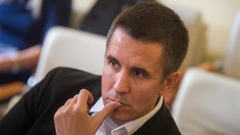Czeglédy Csabát ajánlja szombathelyi képviselőjelöltnek a DK