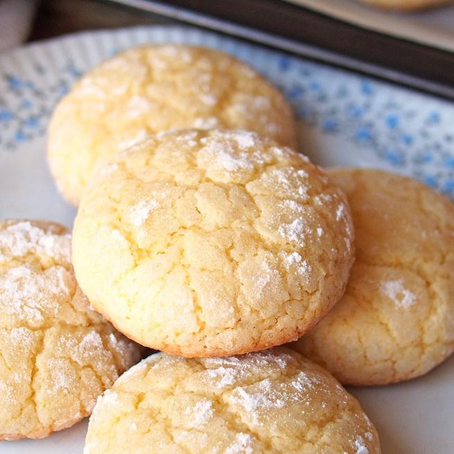 Pufi, citromos keksz krémsajttal gyúrva: könnyed, gyümölcsös teasütemény
