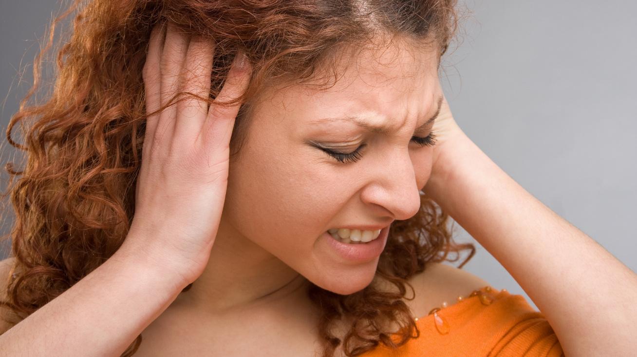 fülfájás nyitó