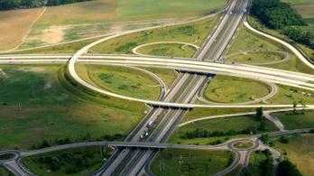 Ha az M5-ösön a fővárosba indulna, számoljon plusz menetidővel