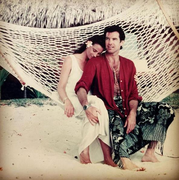 Keely Shaye ezzel a régi, szerelmes fotóval ünnepelte meg megismerkedésük 27. évfordulóját. A felvétel 1995-ben készült róluk Tahitin.