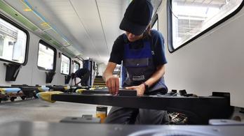 Felpörgetné az Egyiptomnak szánt vasúti kocsik gyártását a Dunakeszi Járműjavító