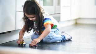 Így érd el, hogy a gyereked önállóan játsszon – ezzel neki is jót teszel