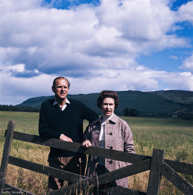 1972: a házaspár Balmorali birtokán.