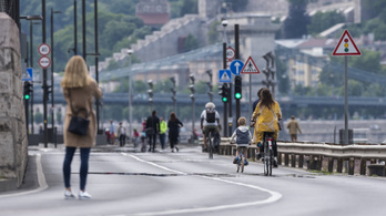 Tovább szabad a rakpart a gyalogosoknak és a bicikliseknek