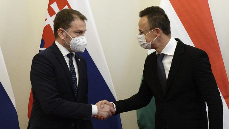 Szijjártó Péter: Bevizsgáljuk a Szlovákiának szállított Szputnyikot