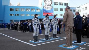 Gagarin repülésének évfordulóján hárman érkeztek a Nemzetközi Űrállomásra
