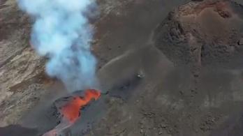 Kitört egy francia vulkán is