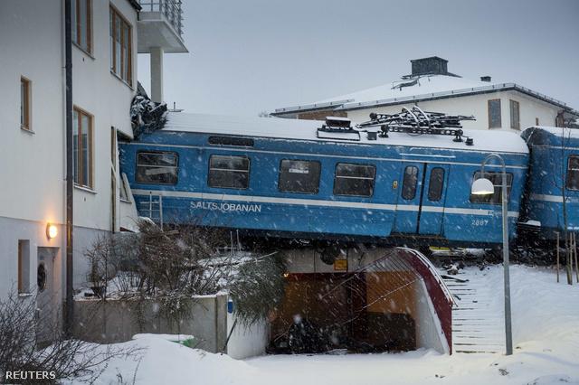 2013-01-15T091125Z 223360601 GM1E91F1BKH01 RTRMADP 3 SWEDEN