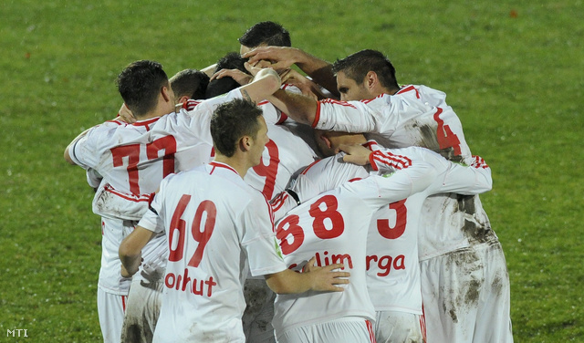 A debreceni csapat játékosainak gólöröme a labdarúgó OTP Bank Liga 17. fordulójában játszott DVSC-TEVA - Kaposvári Rákóczi mérkőzésen.