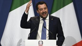 Az ügyvédek szerint Salvini szenvedést okozott, az ügyészség máshogy látja
