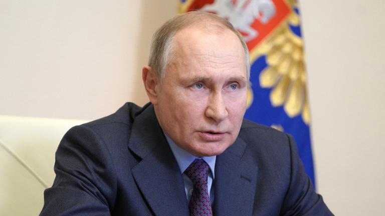 Putyin a tankjaival bizonygatja, hogy ő nem gyilkos
