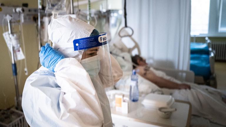 Védőoltások mellékhatásai: Szlovákiában több mint 3 ezer esetet vizsgálnak
