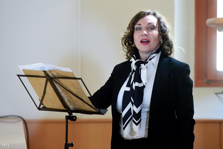 Rost Andrea Kossuth-díjas operaénekes