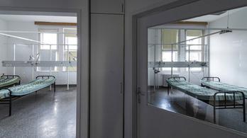 Két ollóval több mint 30-szor szúrt a Honvédkórház ámokfutója