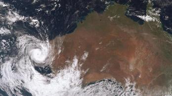 Tízezrek maradtak áram nélkül Ausztráliában a pusztító vihar után