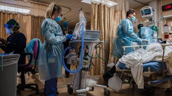 Oltáscsúcs ellenére is rekordközeli a kórházi ellátottak száma az USA-ban
