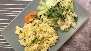 A tojásos nokedlit csalánnal és olvadt sajtokkal is érdemes kipróbálnod