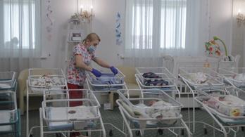 A csecsemőket sem kíméli a koronavírus