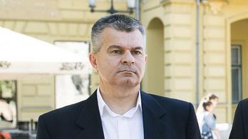 Koronavírus-fertőzésben meghalt Lövei Csaba képviselő