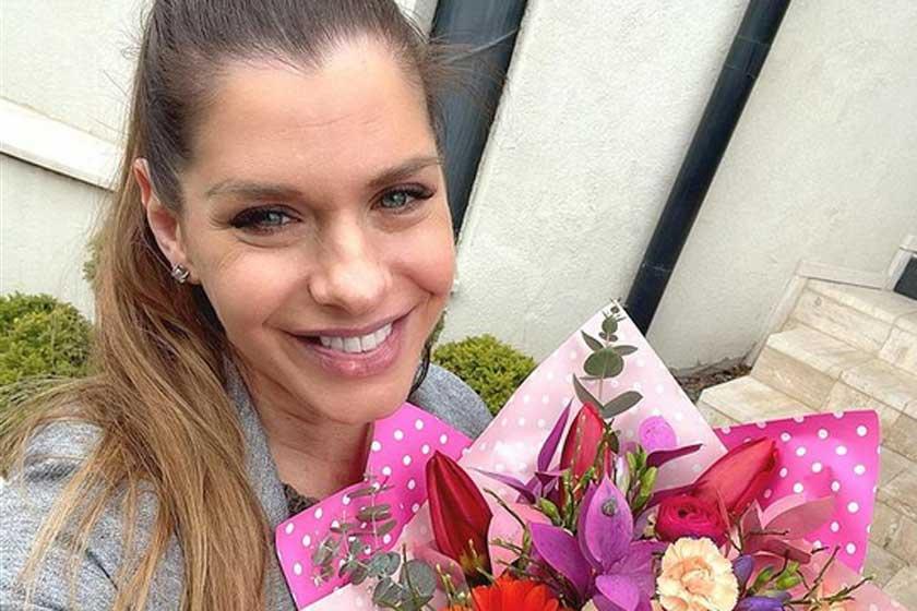 Dér Heni 26 éves húga is gyönyörű: már Alexandra is férjnél van