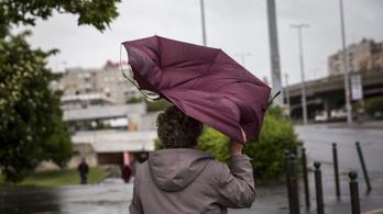 Itt a vihar, a fél országra figyelmeztetést adtak ki