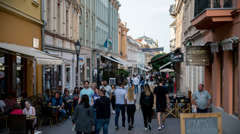 Nagyon rövid centire vágyik a turizmus