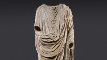 Szolgálaton kívüli olasz műkincsrendőrök találtak meg egy lopott római szobrot Brüsszelben
