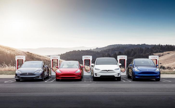 Az elektromos autók legfontosabb tartozéka a töltőhálózat. Erre miért nem jön más rá?