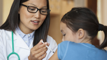 Megóv a súlyos megbetegedéstől a védőoltás