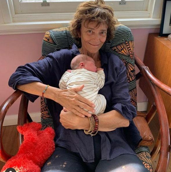 Rachel Ward kislányunokája, Anouk idén februárban jött a világra.