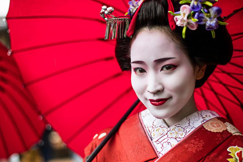 A gésák különös mosolyának titka: nem tudhatja meg a vendég, pontosan mit gondolnak