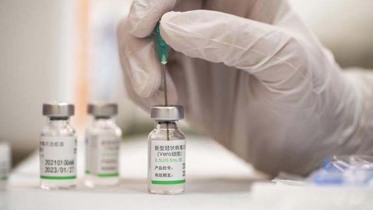 Harmadik oltásra is szükség lehet a kínai vakcinából