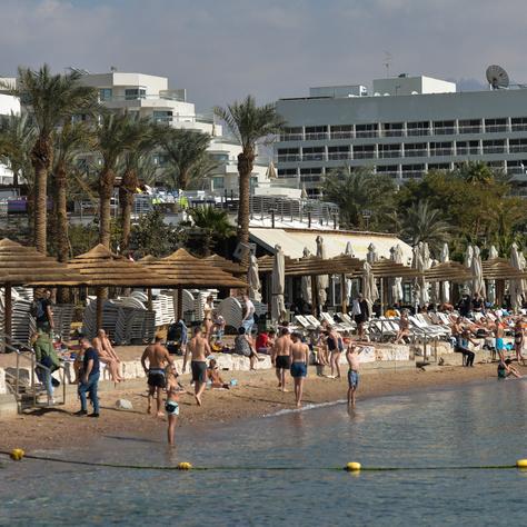 Eilatban májustól megtelhetnek a tengerpartok