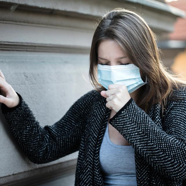 Így különböztesd meg az allergia és a koronavírus tüneteit: nagyon hasznos táblázat készült