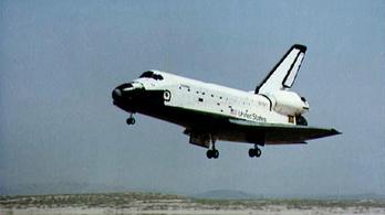 Negyven éve volt az első sikeres űrrepülő landolás