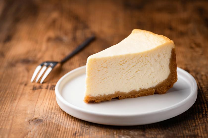 Tippek a tökéletes sajttortához: így biztosan nem lesz repedezett a teteje
