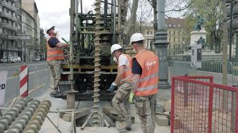 Történelmi pillanat: megkezdődtek az 5-ös metró próbafúrásai
