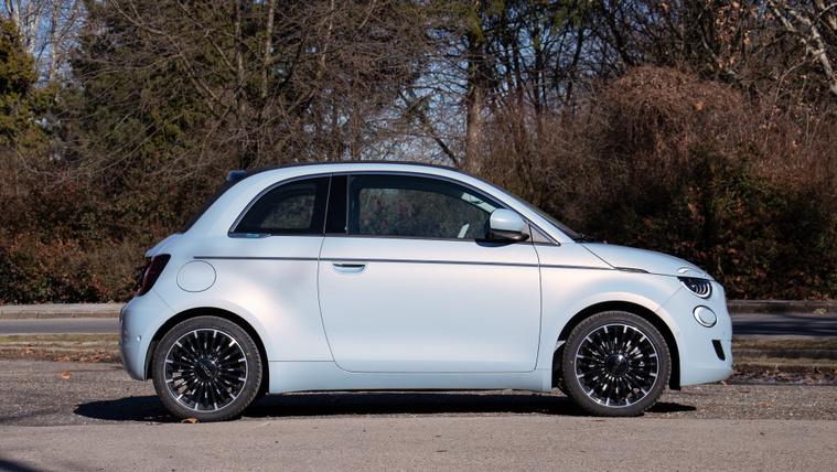 Bajban a Fiat villanyos 500-asa?