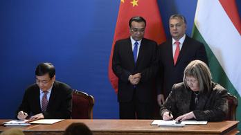 Az ellenzék aggódik, a kormány lehetőséget lát a kínai egyetemben