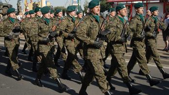 Egyre több a katona a lengyel-belarusz határon