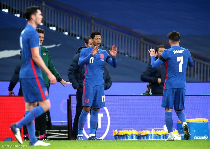 A harmadik legfiatalabb játékosként debütált az angol válogatottban