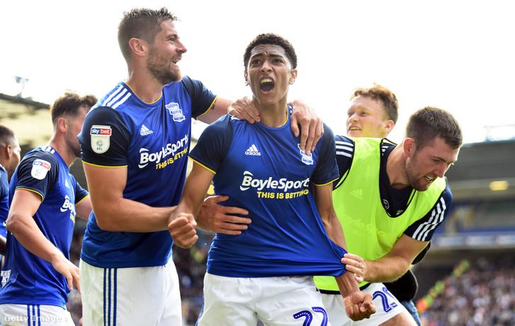 A Birmingham City visszavonultatta a 22-es mezszámát