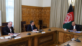 Afganisztánba látogatott az amerikai külügyminiszter