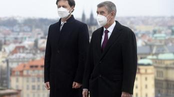 Magyarországra támaszkodik az orosz vakcina beszerzésénél Szlovákia