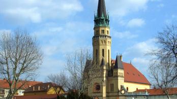 Május elején nyitnának az evangélikus templomok
