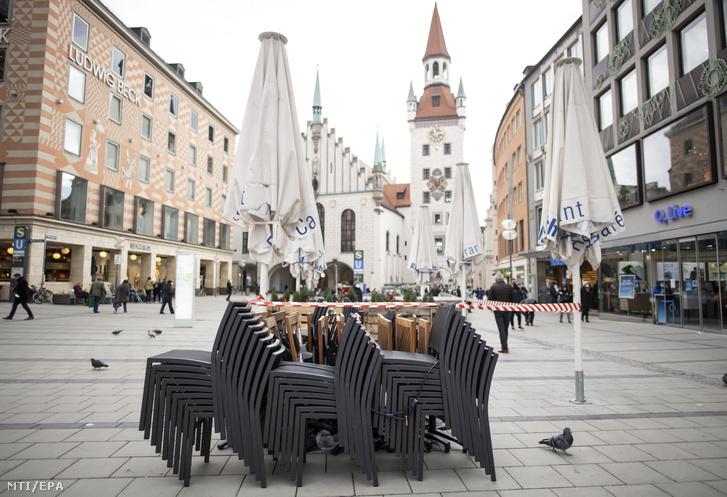 Nincsenek turisták München belvárosában 2021. március 23-án a koronavírus harmadik hulláma idején
