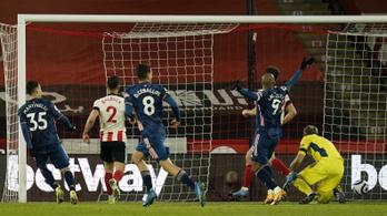 Gálázott az Arsenal, kettős győzelemmel jutott tovább az MU
