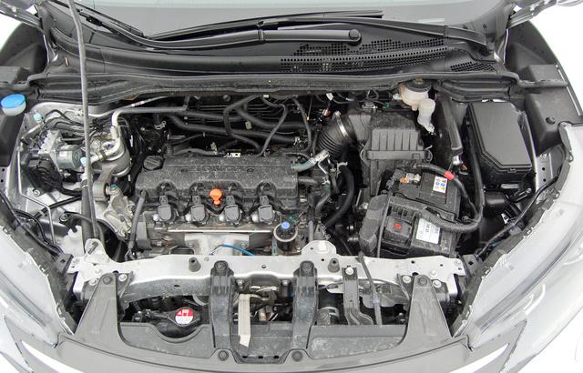 Mit tud a sok vas az autó orrában? A teljesítmény-adatot akár el is felejthetjük